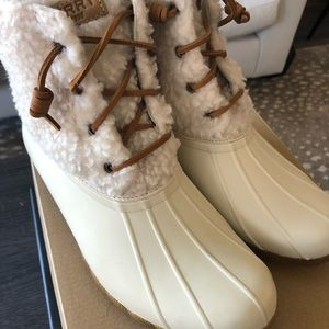 Speedy Saltwater Cozy Off-White Boots